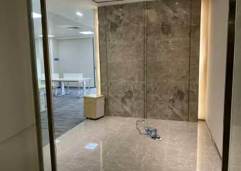 平湖商业区精装修写字楼236平方招租户型方正图片3