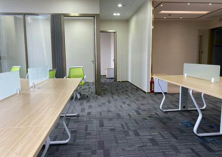 平湖商业区精装修写字楼236平方招租户型方正图片1