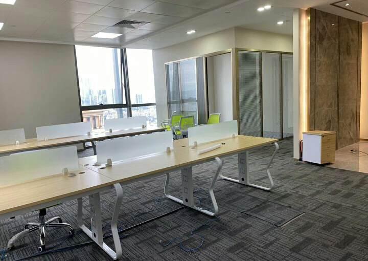 平湖商业区精装修写字楼236平方招租户型方正图片5