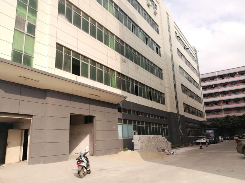 福永地铁站附近新出原房东红本厂房带无尘车间面积400平。