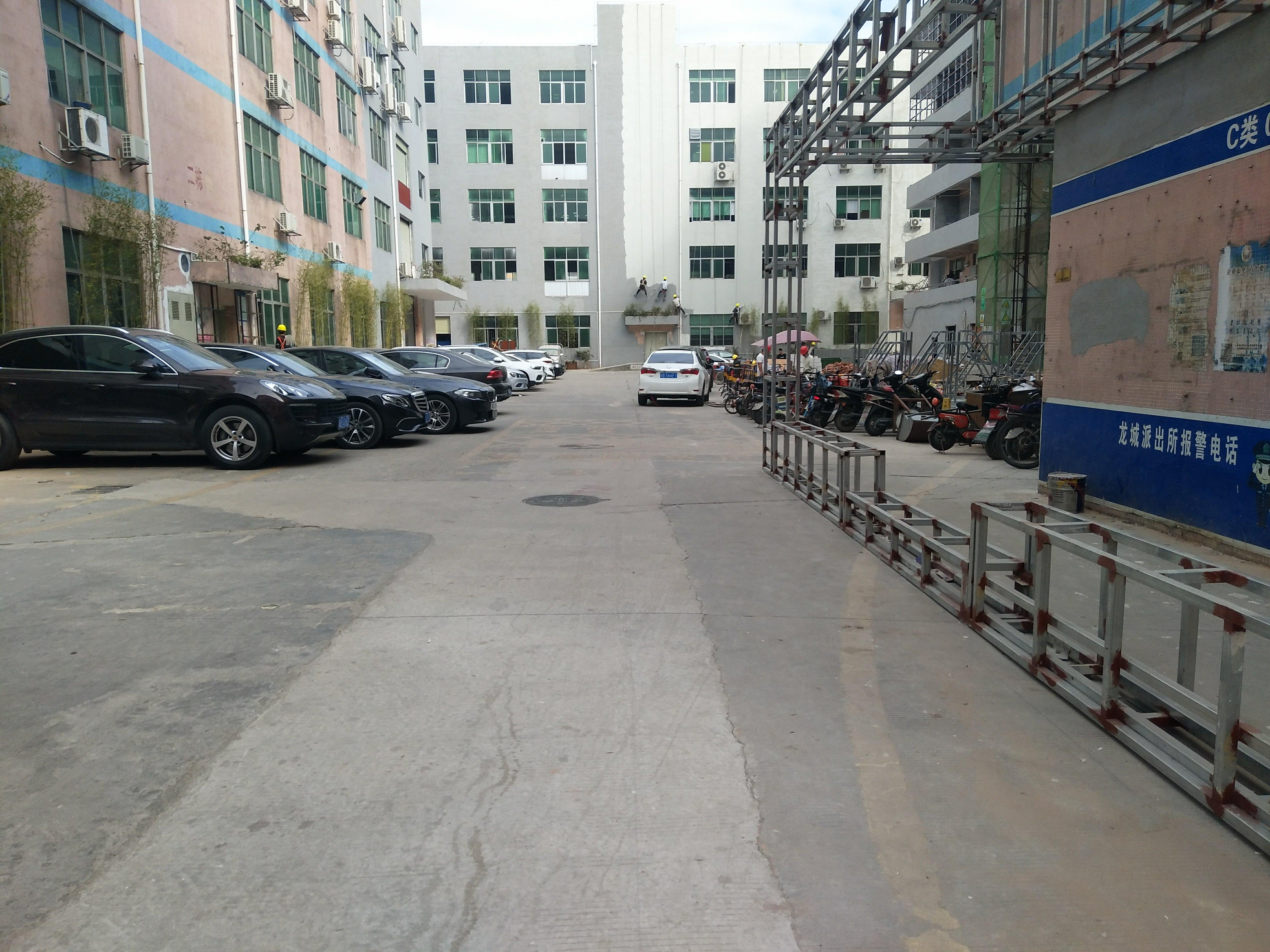 深圳龙华大浪商业中心附近新出全新改造厂房300平出租