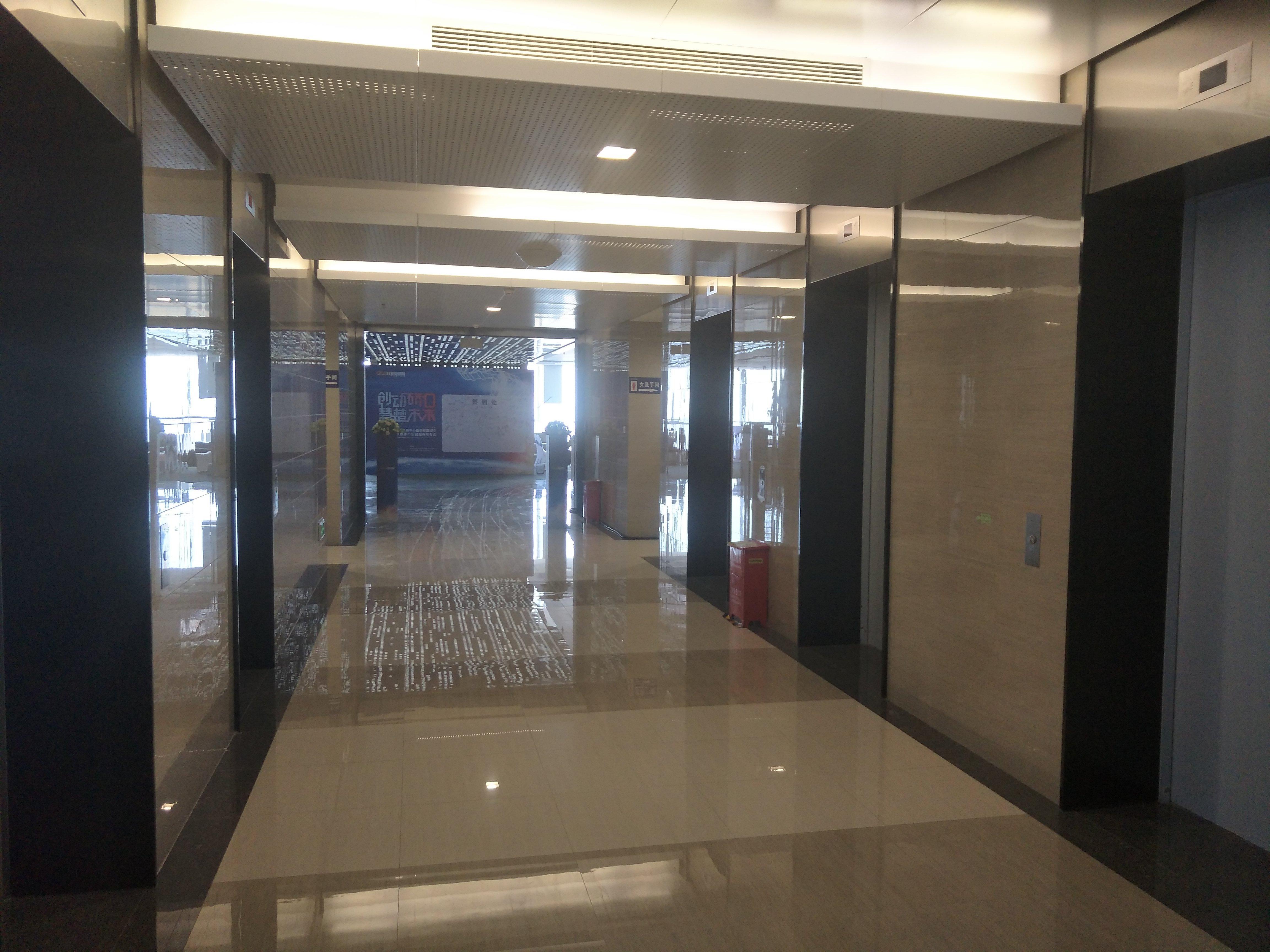 经合中心97至893平米自由组合,100元每平米。精装带家具