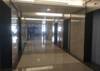 经合中心97至893平米自由组合,100元每平米。精装带家具图片1