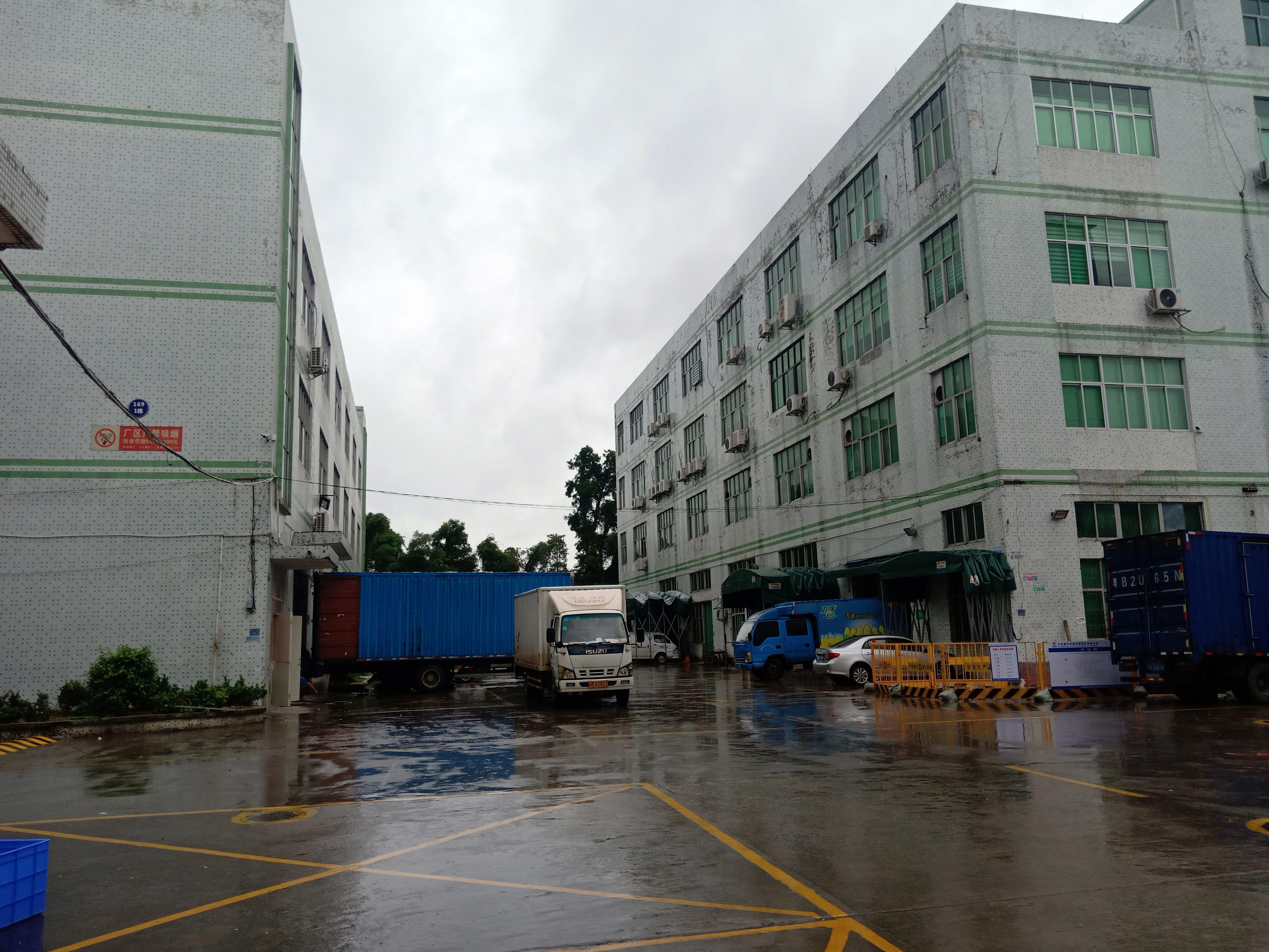 华南城原房东一楼厂房1985平方出租,层高7米