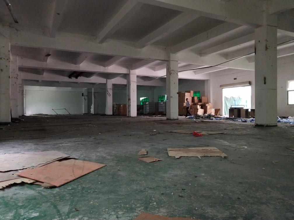 坪山沙湖工业区一楼空出800平方厂房出租!租金便宜