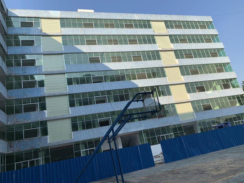 清溪三中高速出口新出标准厂房三楼可做电池仓库500平方招租