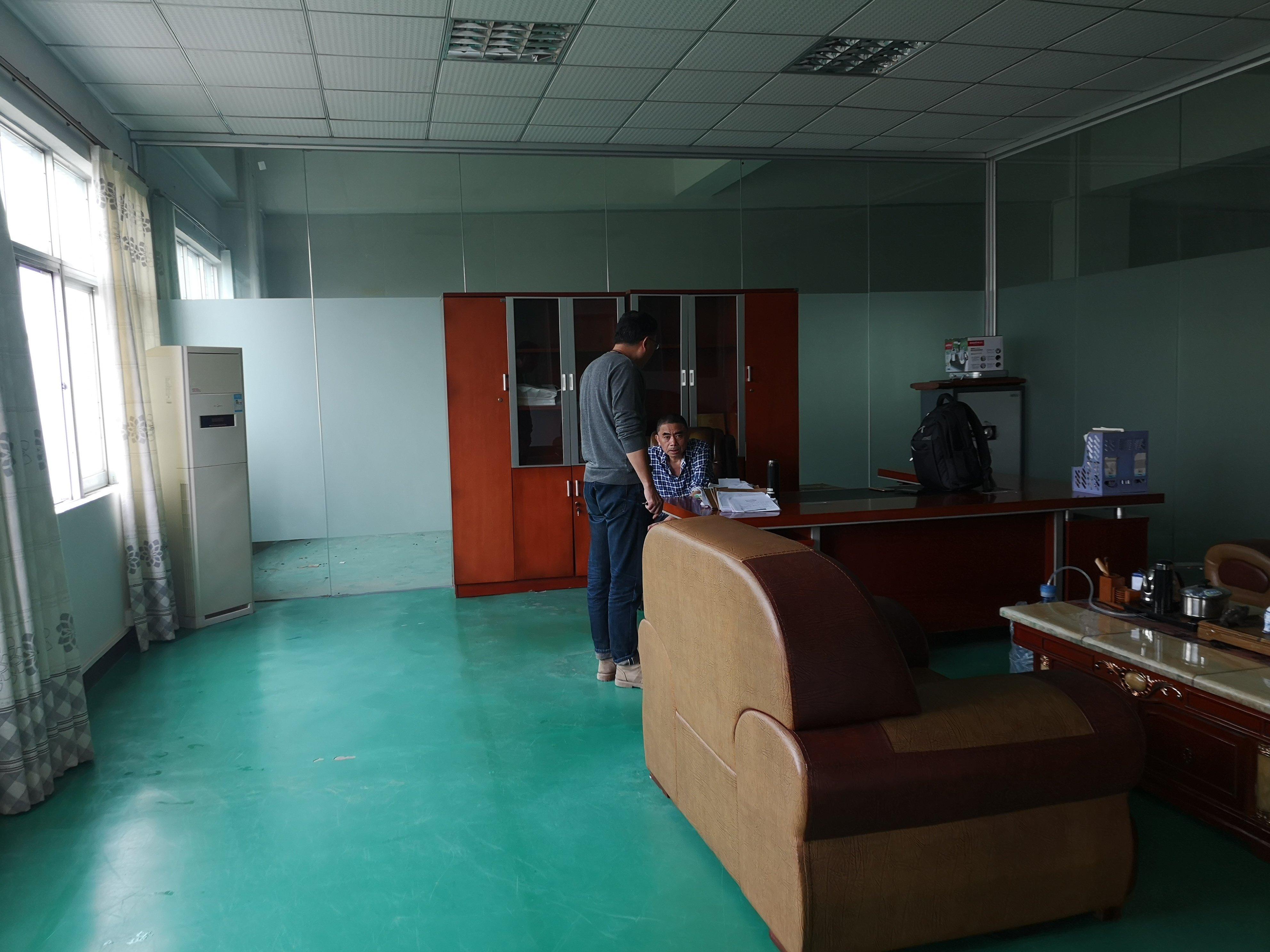 渔梁围村新出村委厂房楼上500平带装修,可做电池-图3
