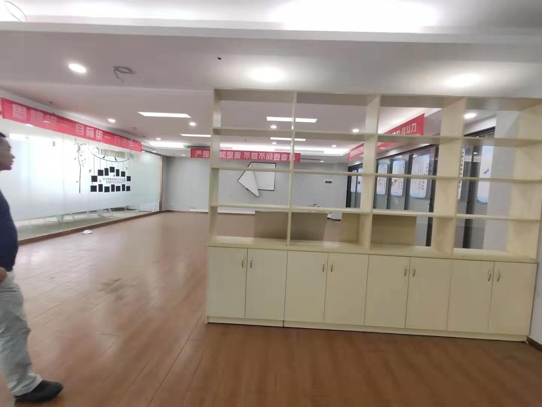 龙岗3号地铁沿线工业园厂房精装办公室厂房仓库200至800平