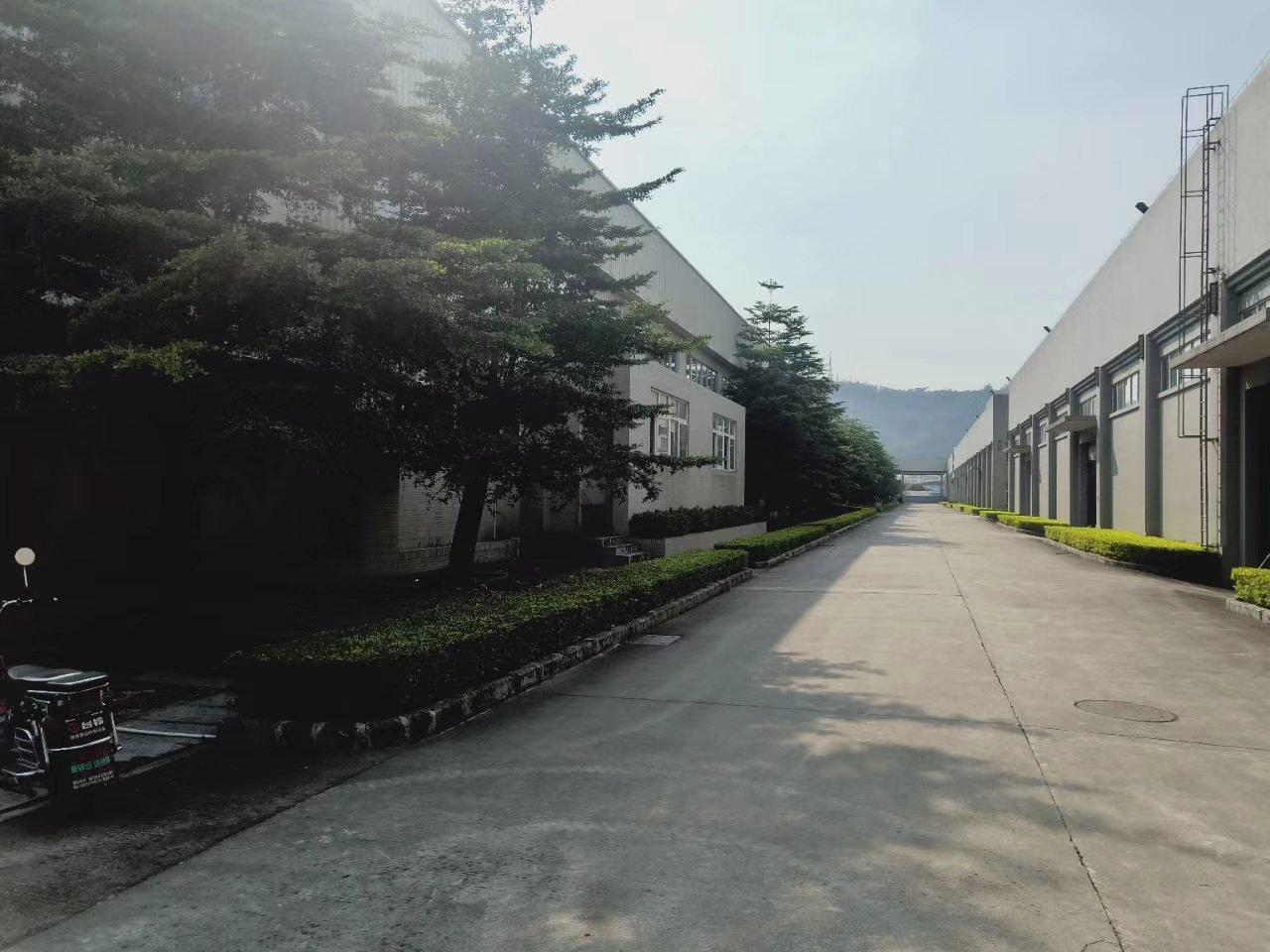 出租松山湖附近10米高单一层重工业万博app官方下载8000平米可分租