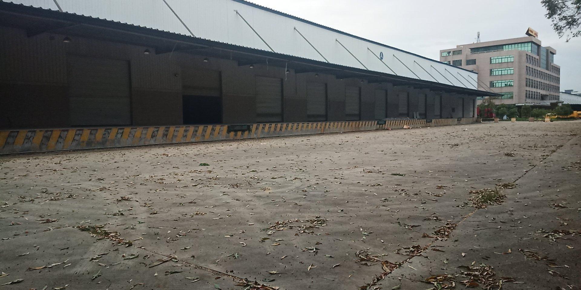 标准钢结构物流仓7000㎡ 带卸货平台 丙二类消防,证件