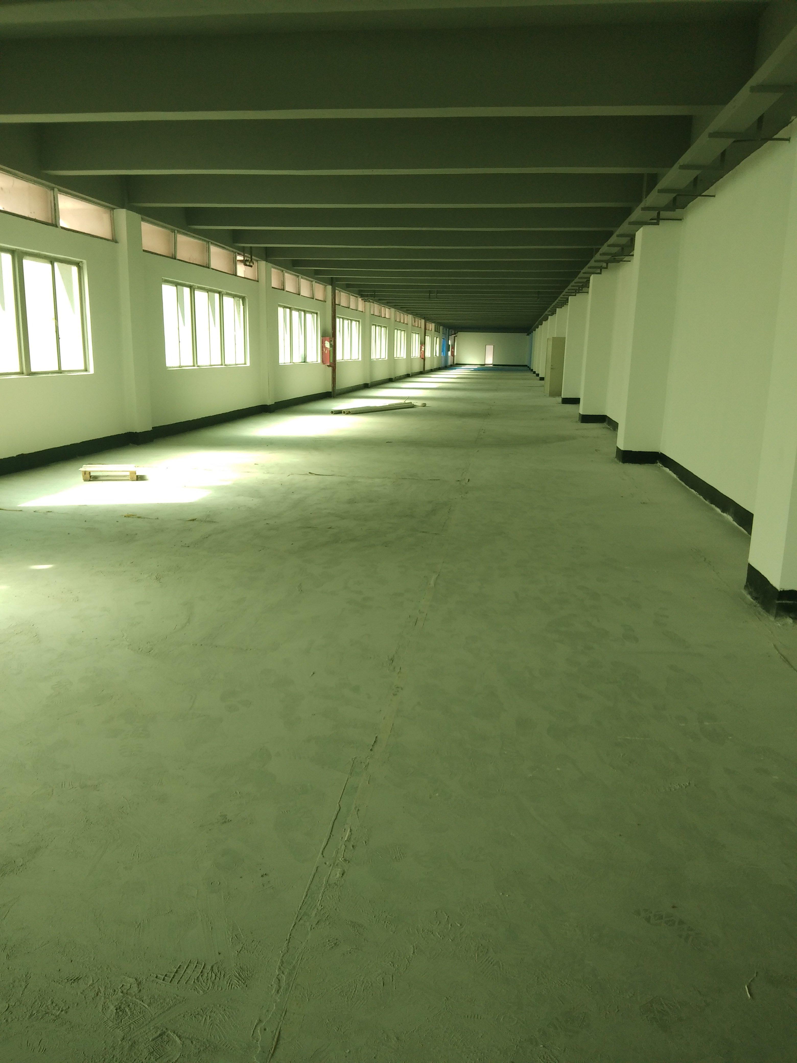 福永桥头地铁口附近楼上2000平电商仓库200起分