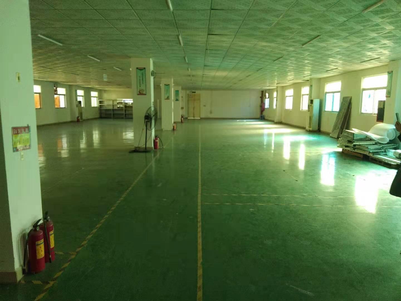 福永和平村大型工业园楼上带装修1266平米-图3