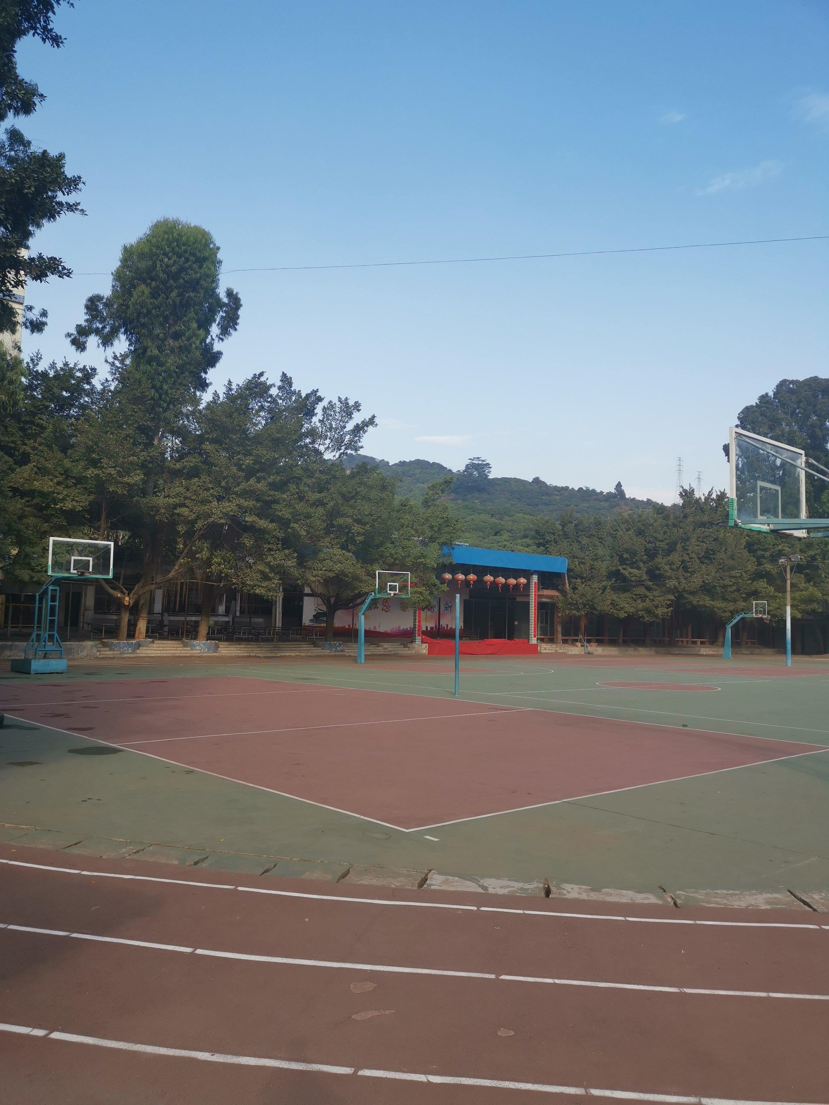 深圳33个班学校建筑面积26000平对外招商。单价9000元
