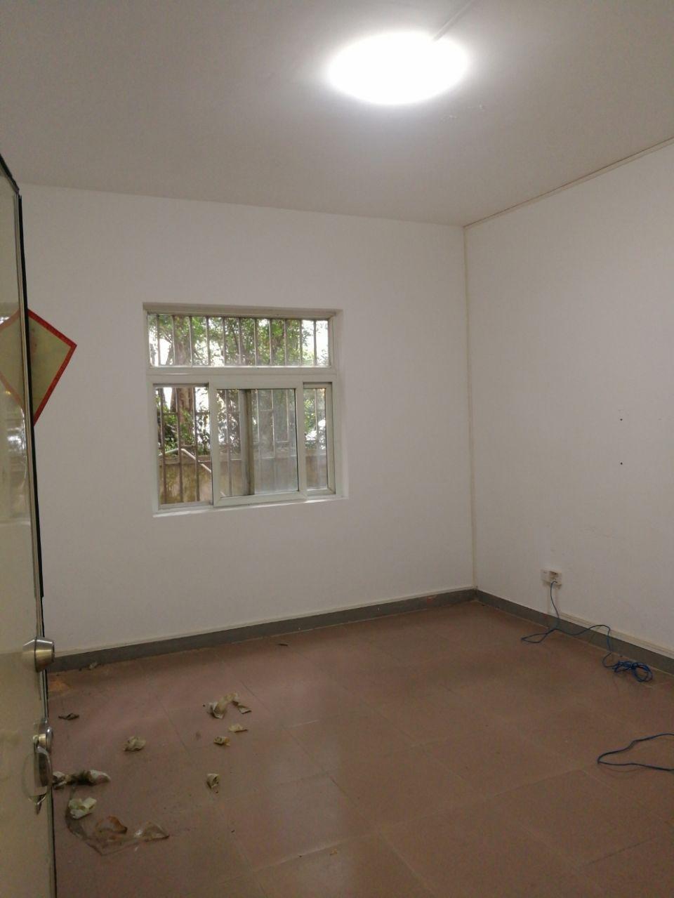 房东一楼250平方厂房办公仓库出租!