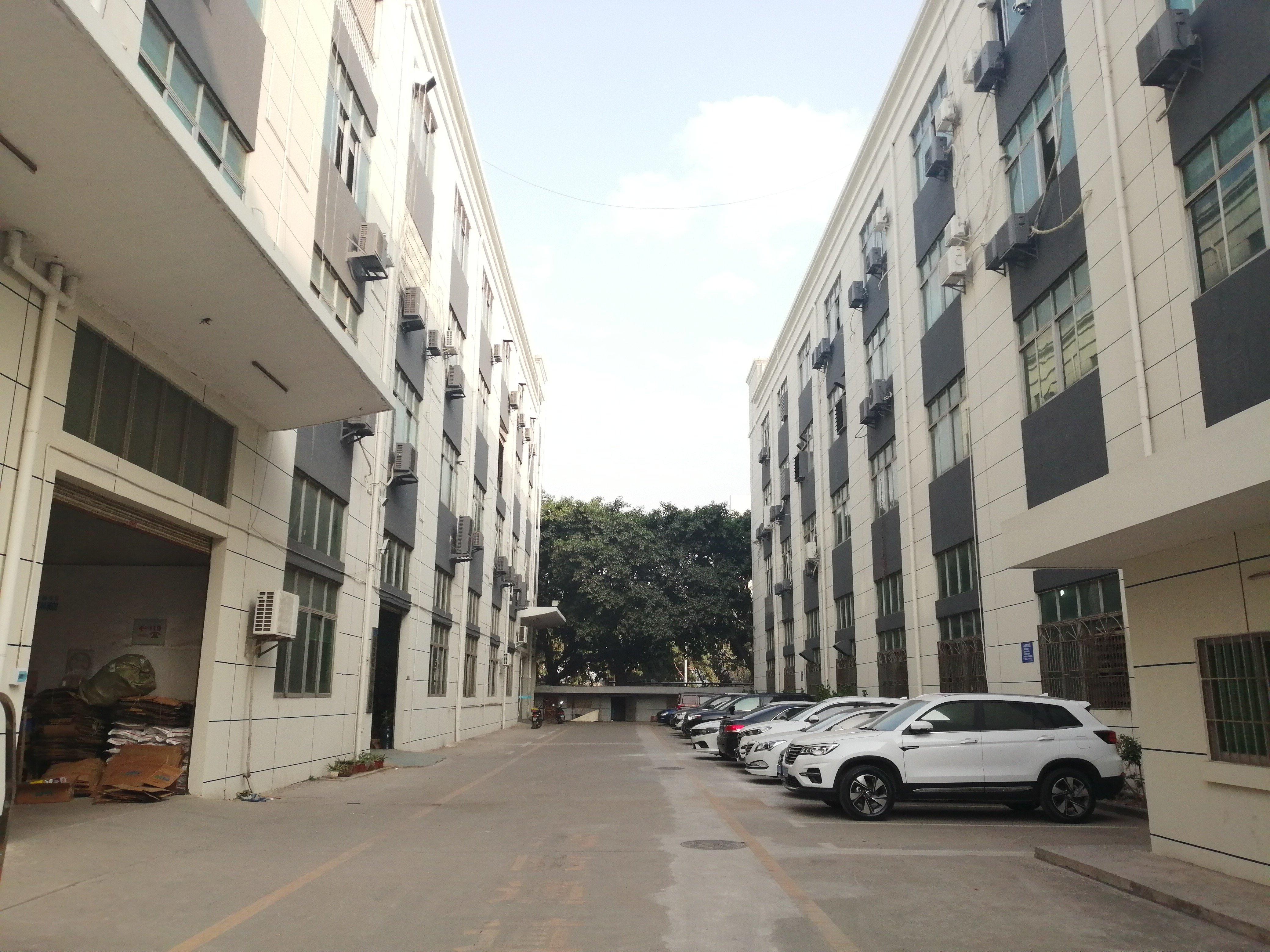 福永和平大型工业园原房东厂房楼上单层面积600平方