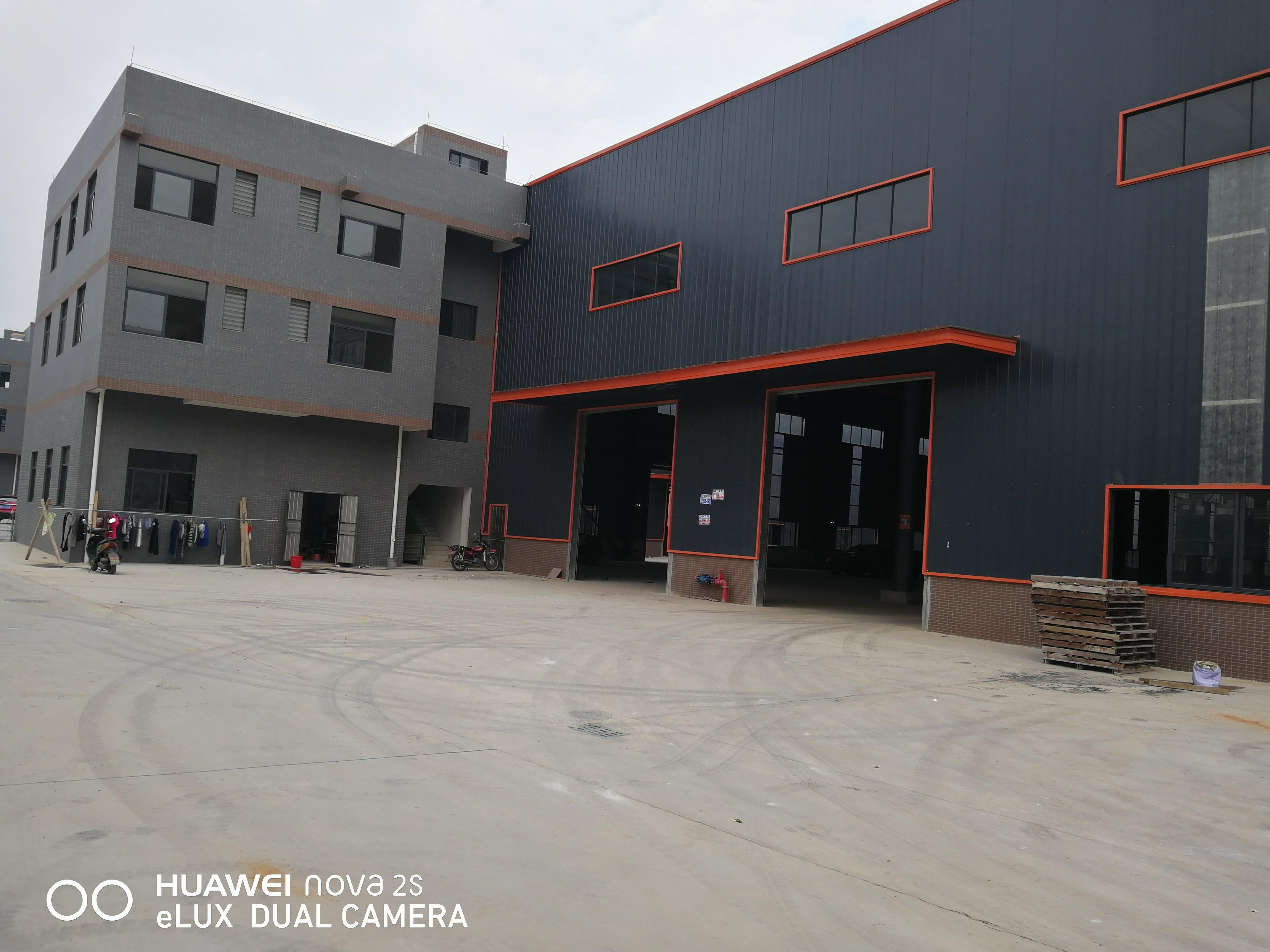 高标准10米高标准全新钢构厂出租