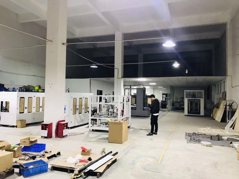龙岗区平湖新出一楼厂房700平米。可生产可做仓库,重工业
