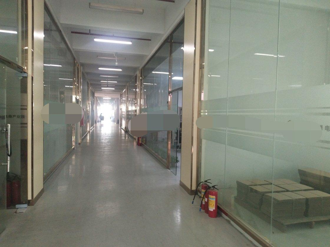 沙井高速出口楼上1500平方带装修厂房不要转让费出租