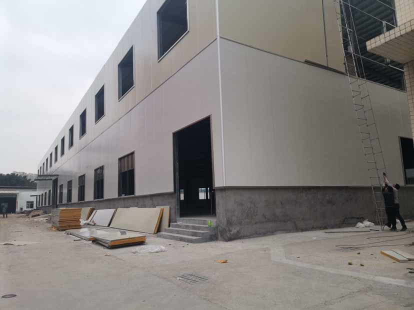 东莞寮步镇独门独院标准钢构出租,证件齐全,工业用地,可办环评