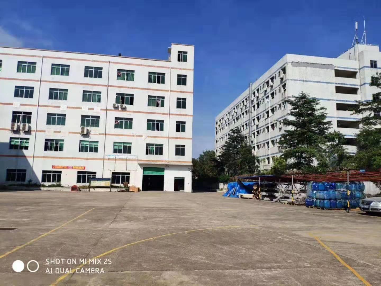 深圳龙岗红本花园式超大空地可做学长物业出售