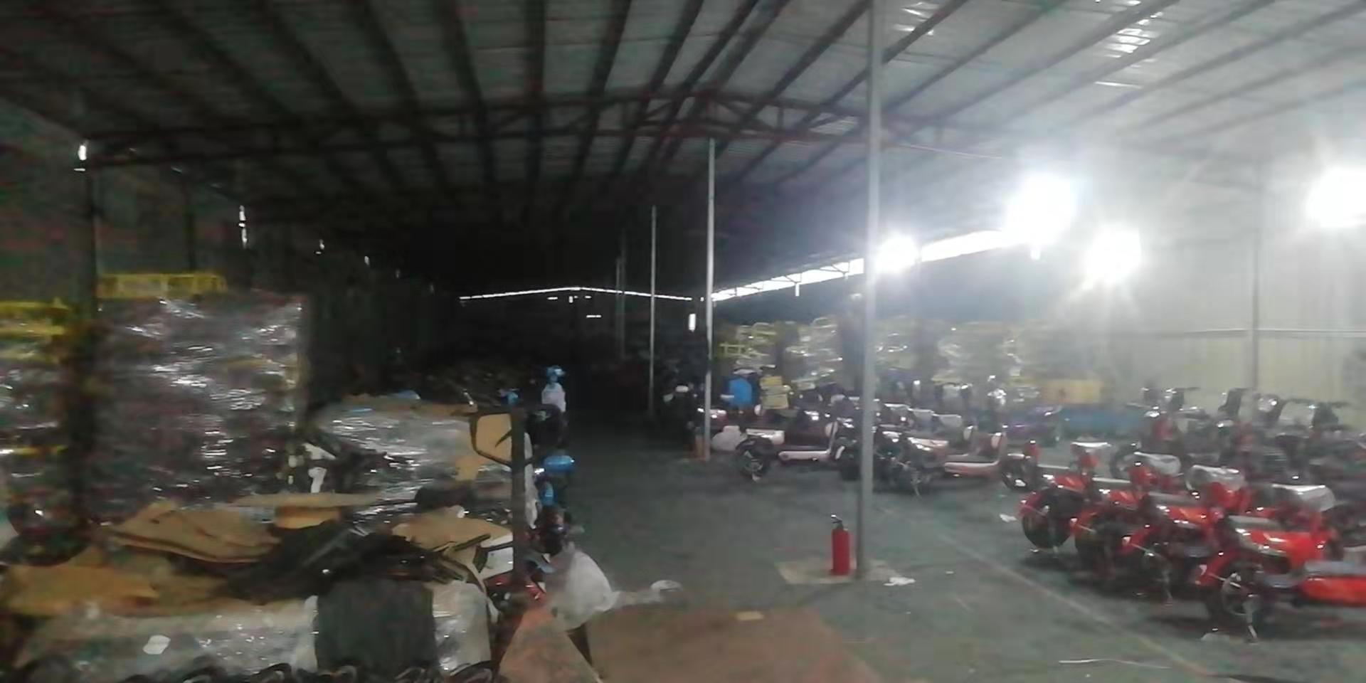 横沥镇村头工业区2000平铁皮房仓库