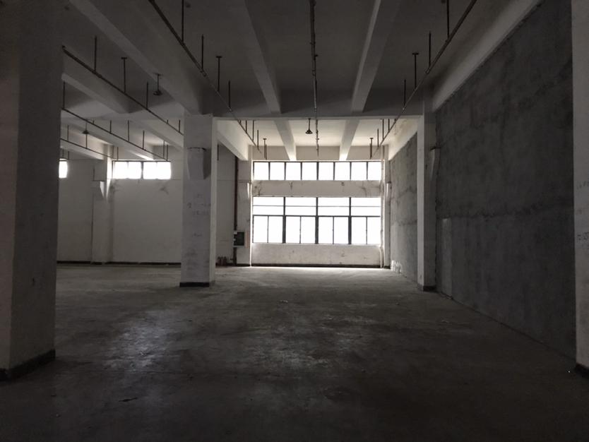 西乡900平米一楼厂房,40元出租靠宝安大道大货车出行方便