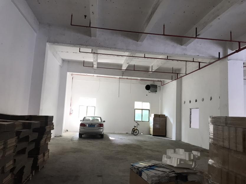 固戍地铁口650平米厂房,36元出租