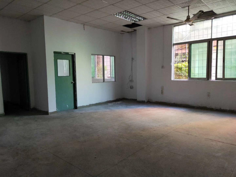 龙华大浪石观一楼小面积厂房430平米,租金实惠,价格底。