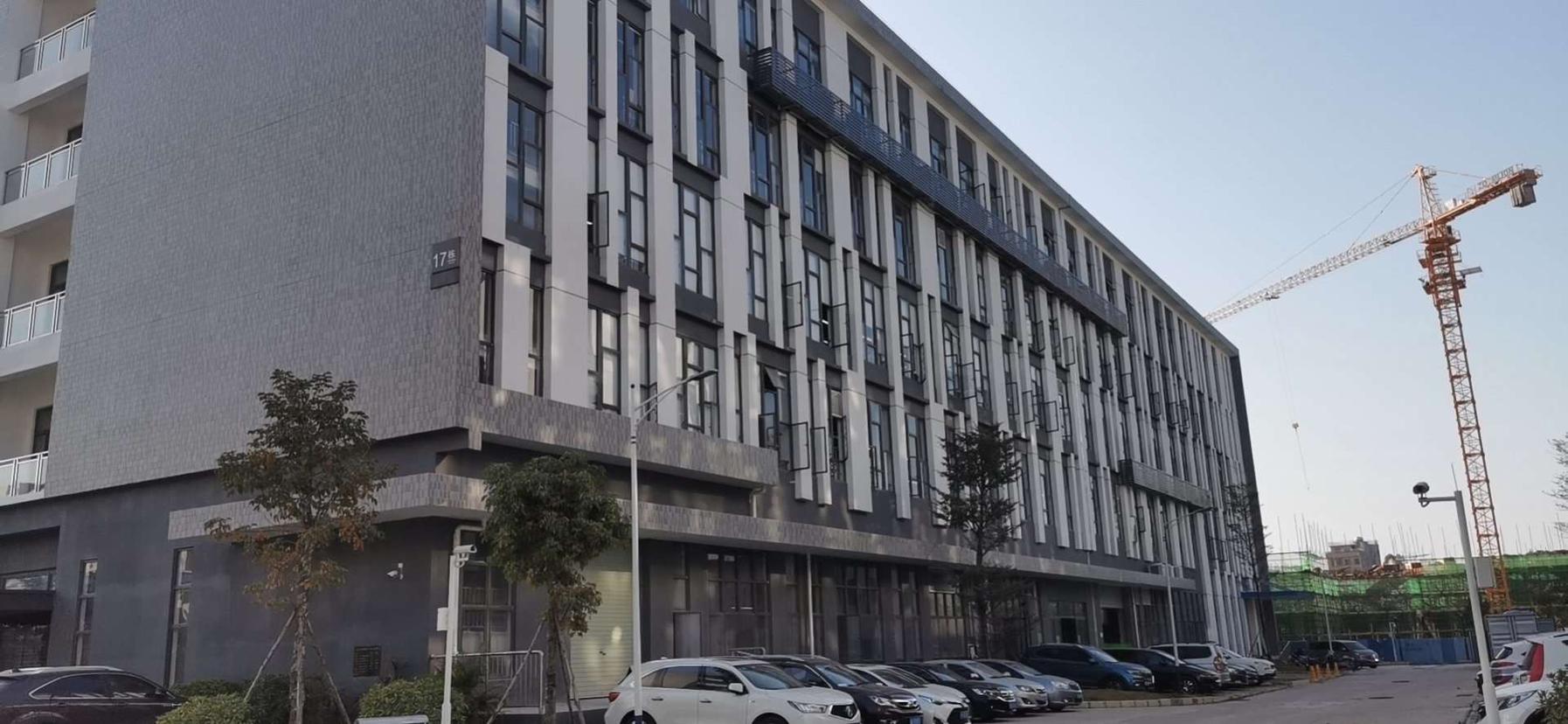 国有双证独院占地:26000平方,建筑:43800平方