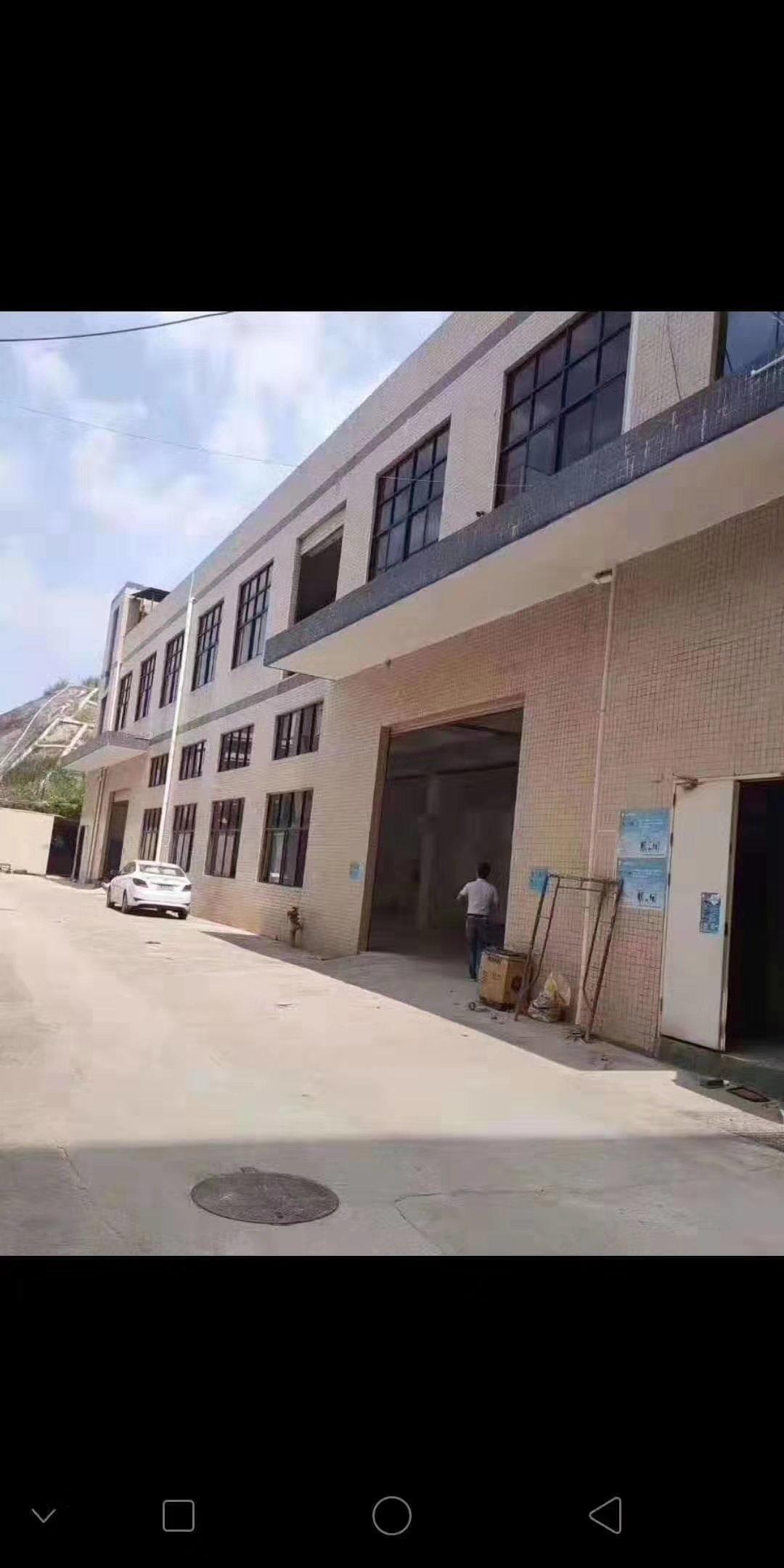 松岗广田路边新出原房东独院1-2层共2600平,实际面积出租