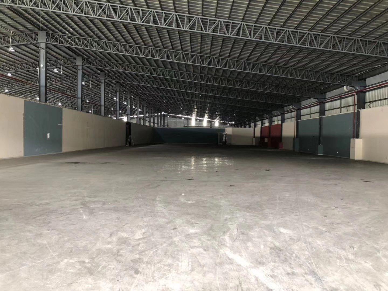 东莞南城现有仓库1万平方低价甩租!金刚砂地板,带隔热层