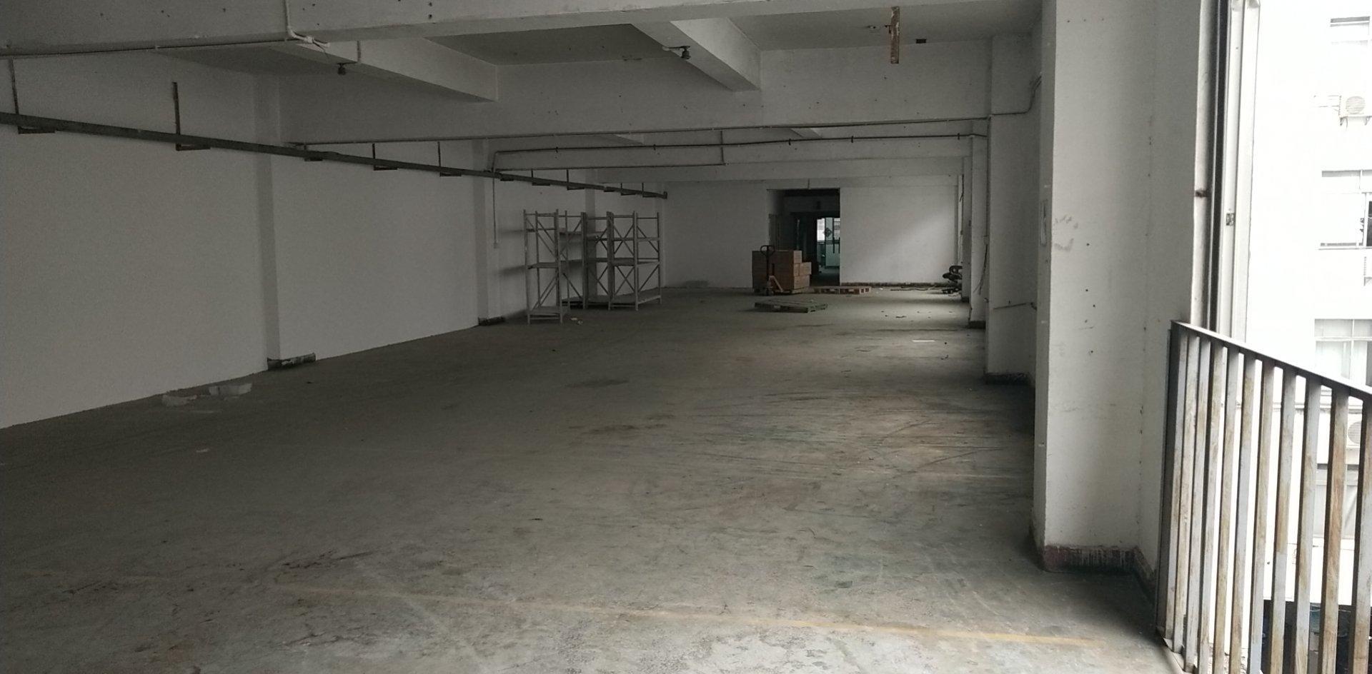福永白石厦楼上新出500平面积实在原房东直接出租