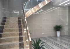 宝安福永地铁口全新写字楼200平起租