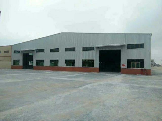 独院钢构厂房1700平方空地大