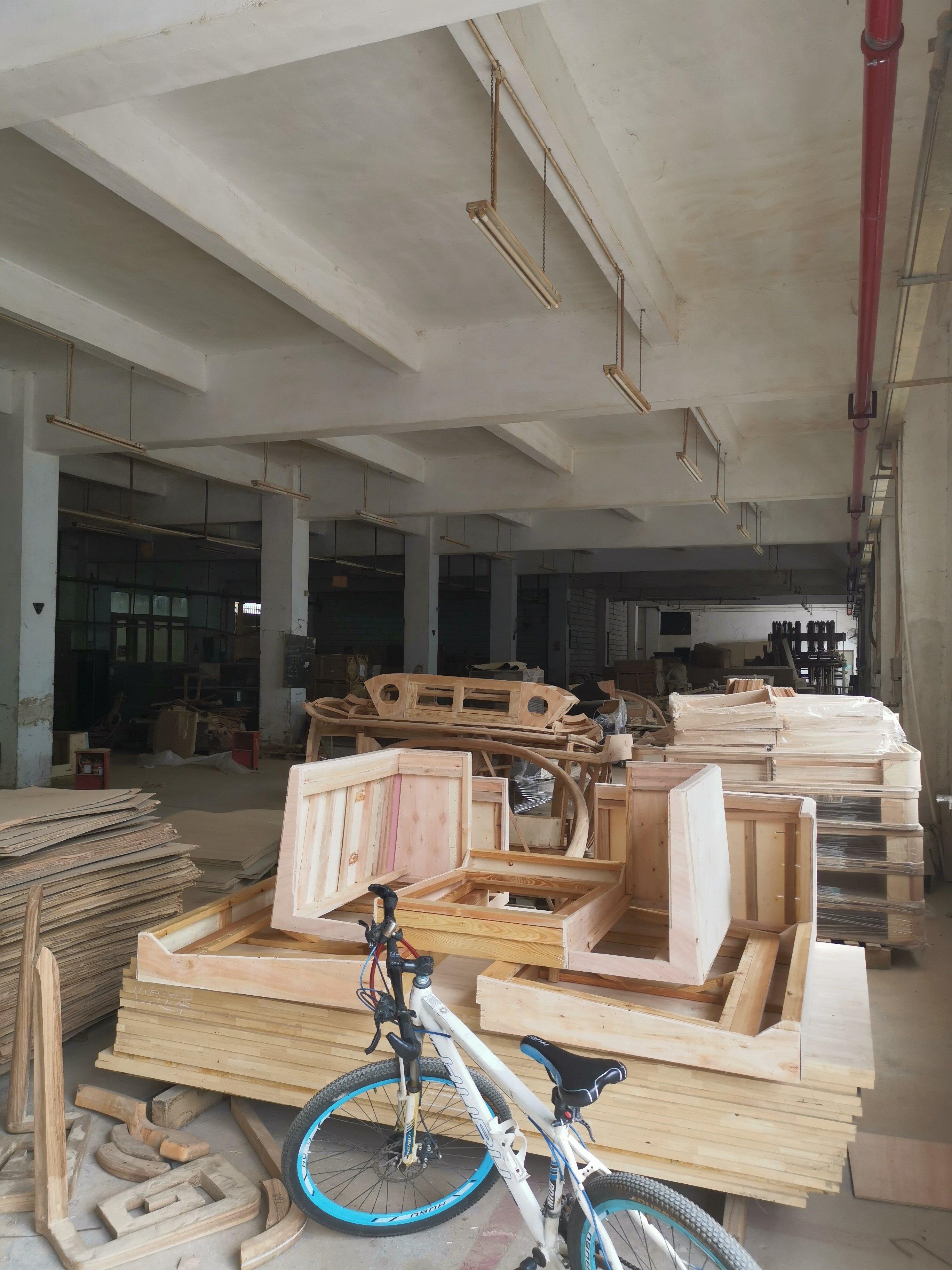 深圳高速路口红本厂房,8000平米,售价6000万业主包过户