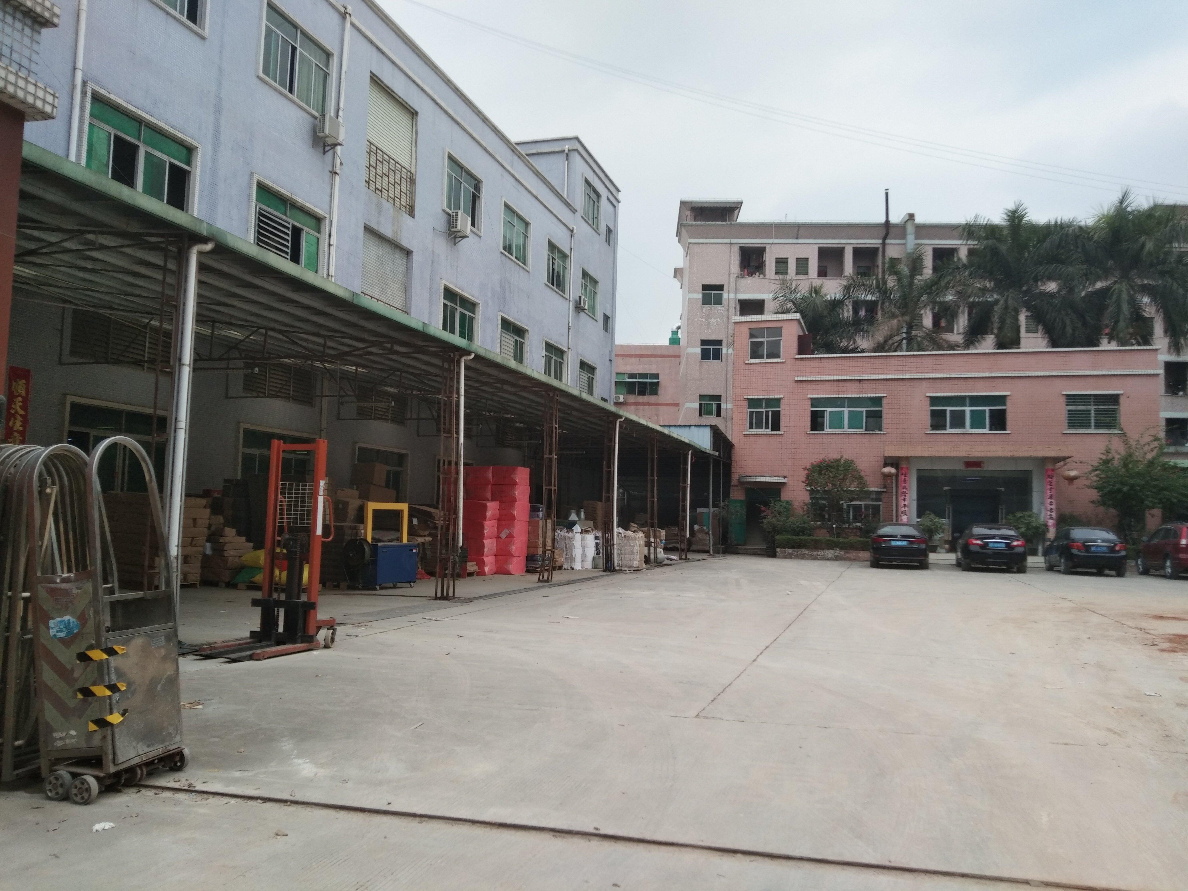 深圳龙华新出红本厂房6000平米,房东急售