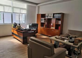 福永和平花园式工业园楼上1200平精装修带办公室厂房图片1