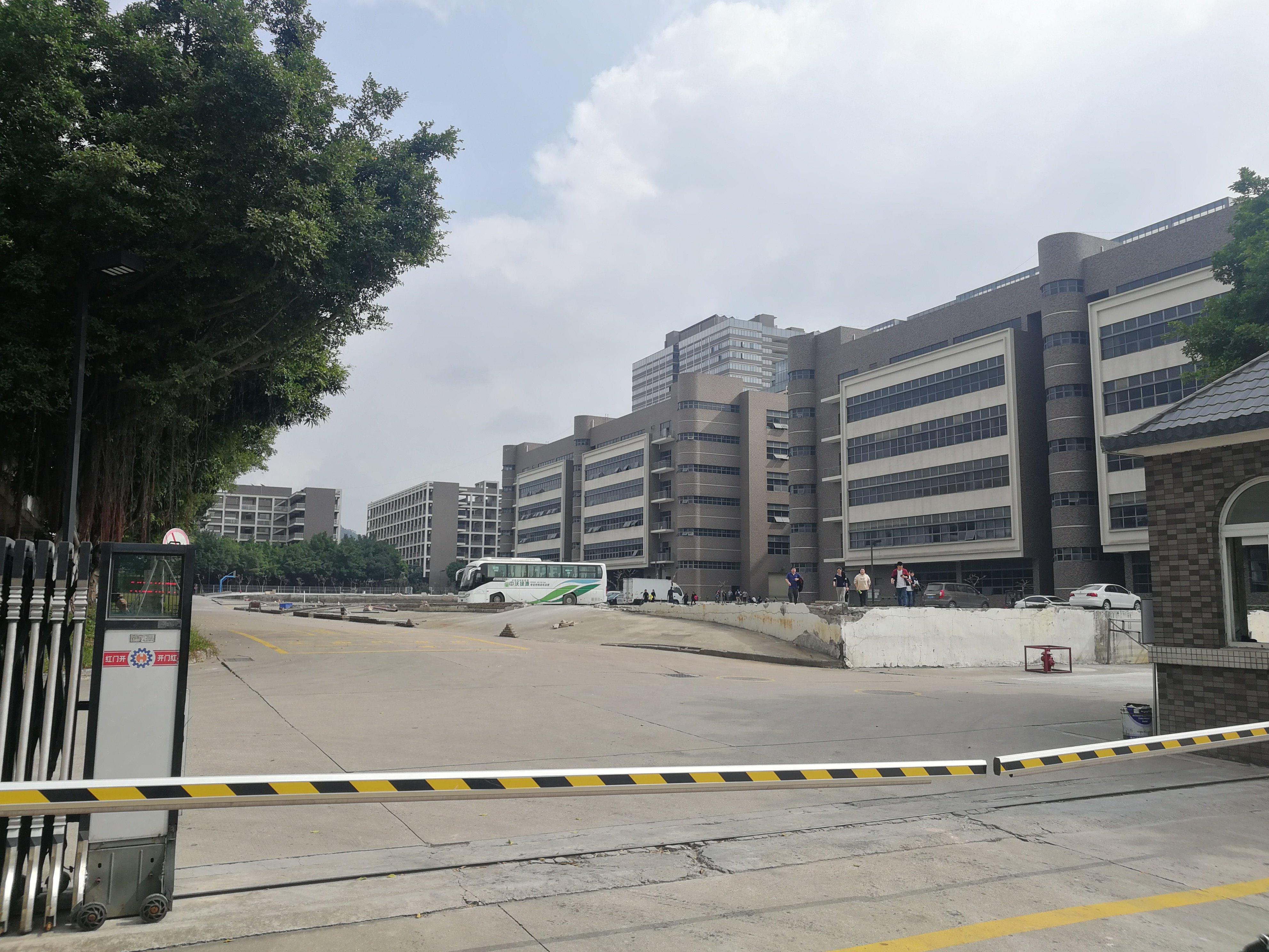 龙华大型工业区130000平红本厂房出售