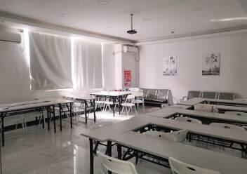 福永和平花园式工业园楼上1200平精装修带办公室厂房图片9