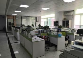 福永和平花园式工业园楼上1200平精装修带办公室厂房图片4