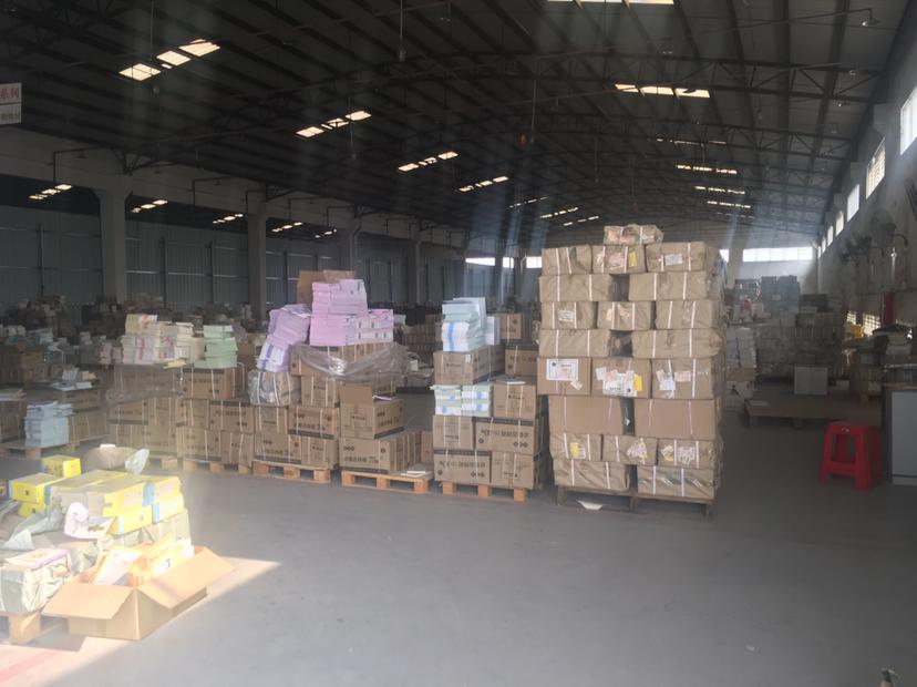 里水靠广州正规物流仓库出租,交通运输便捷,空地超大。
