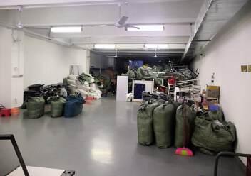 福永和平花园式工业园楼上1200平精装修带办公室厂房图片6