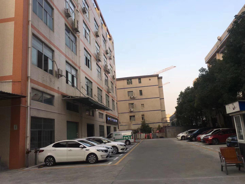平湖新园工业区新出二楼整层1500平带装修厂房招租