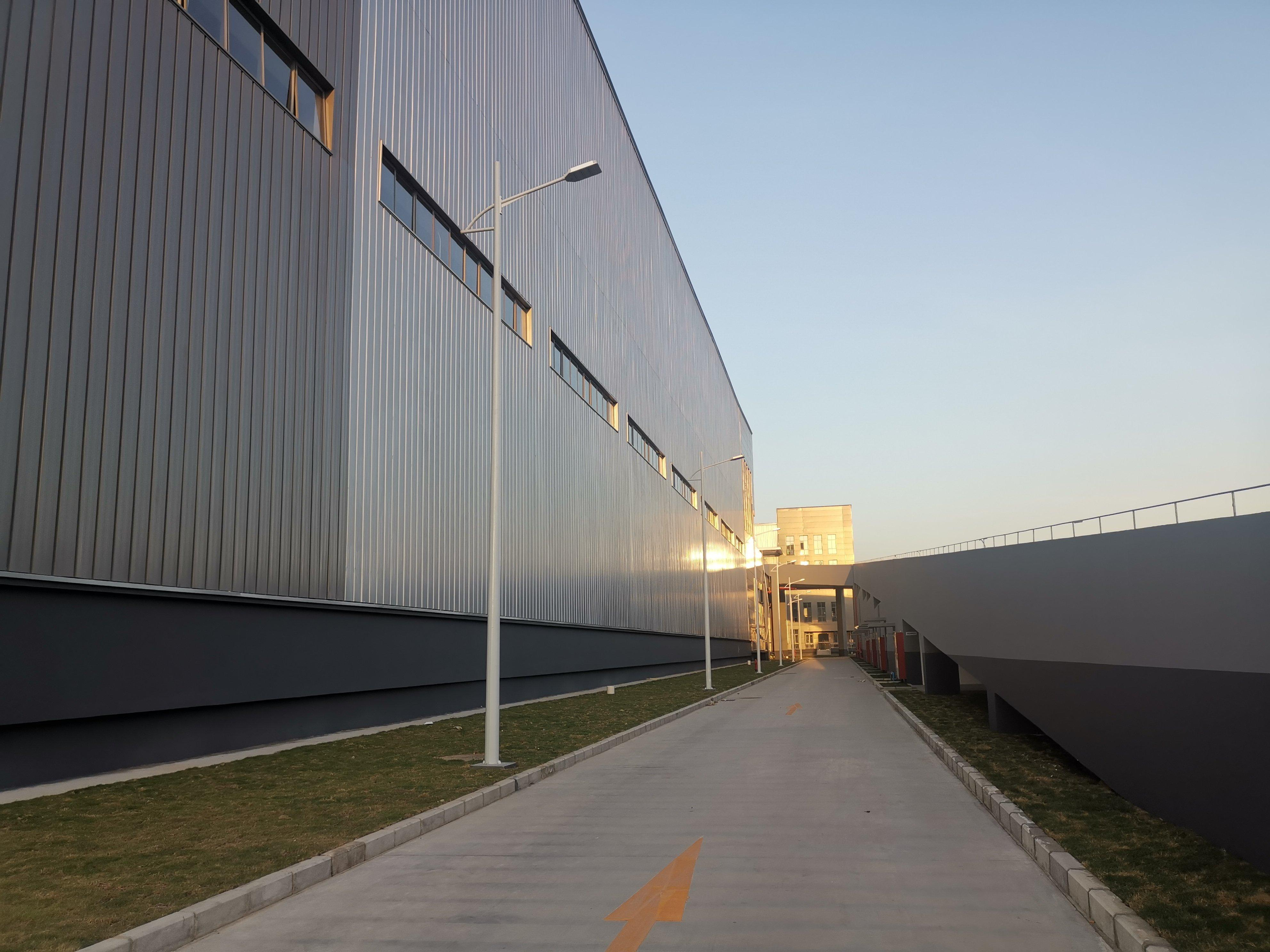 铁皮厂房钢结构独门独院有空地装修,现成水电,有家具环评可喷油