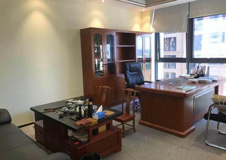观澜新出豪华装修办公室530平,园区环境优美,停车位充足图片6
