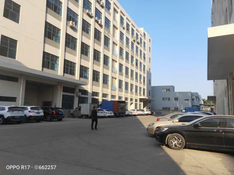 公明蒋石花园式厂房楼上带装修2440平方招租