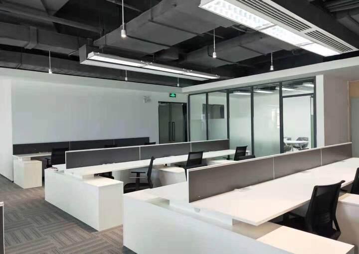 黄埔科学城地铁口全新写字楼19楼238平精装4+1格局图片5
