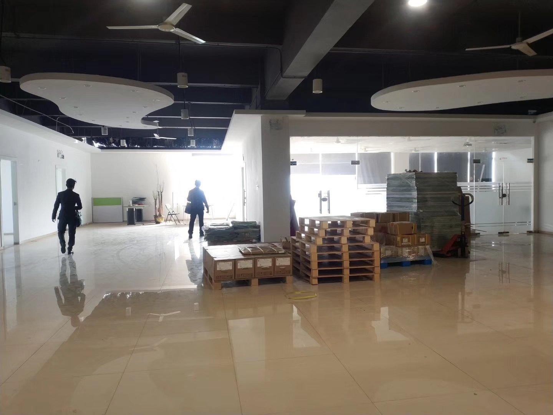 福永凤凰山下楼上500平办公研发,精装修无转让费。-图3