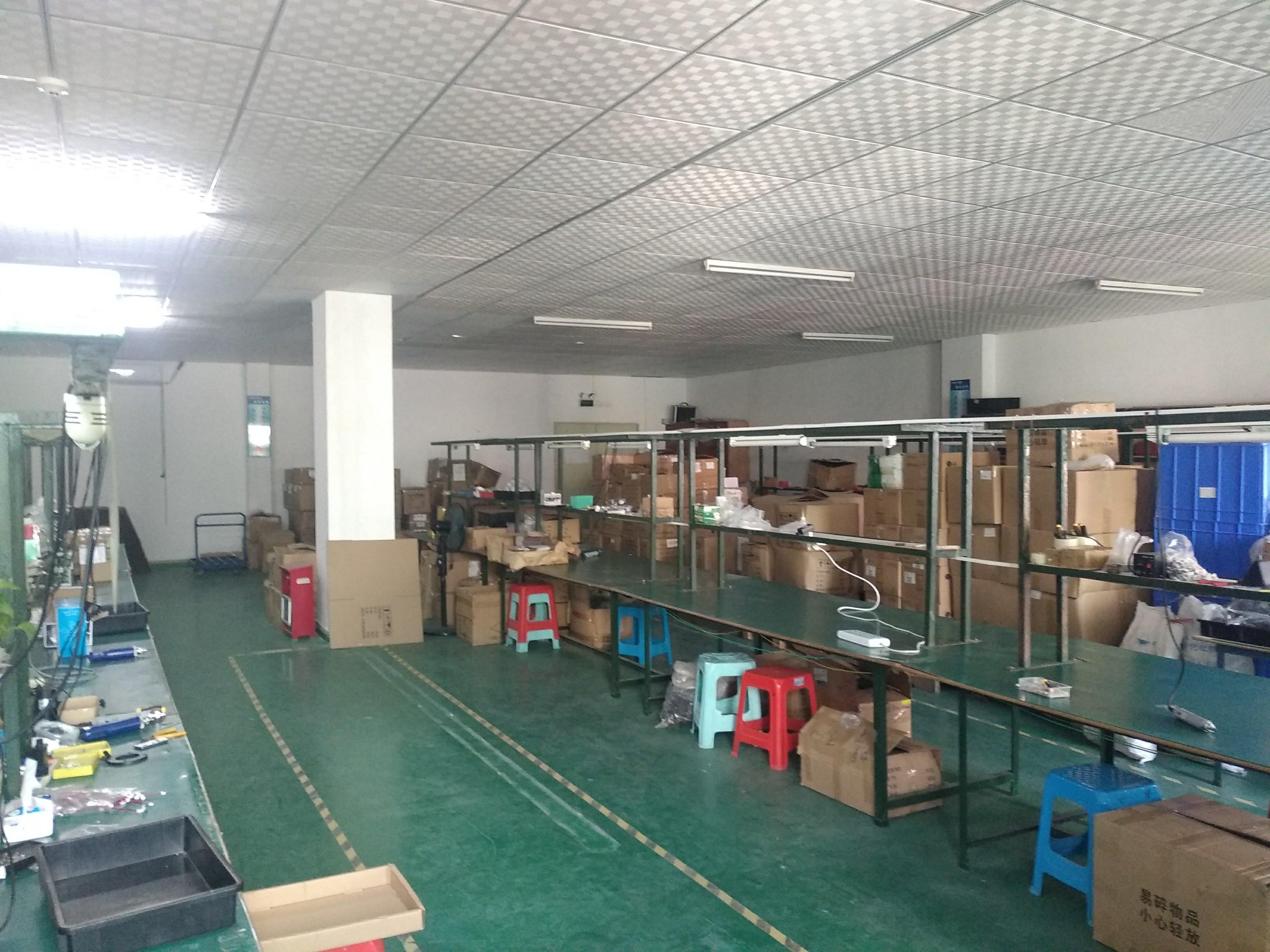 石岩官田新出楼上装修420平米招租,带装修办公室