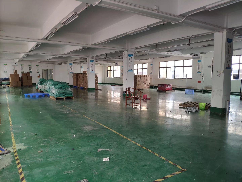 西乡桃源居附近楼上新空出带装修1300平米厂房仓库出租